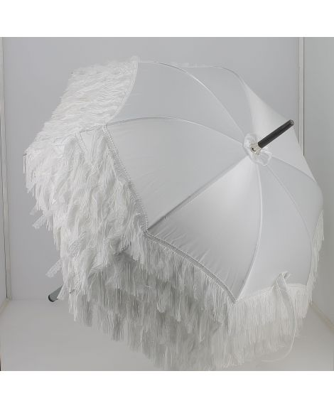 White satin Sun umbrella with fringes. Ebony wood shaft. Handle covered with Ostrich